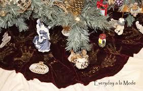 handprint christmas tree skirt everyday a la mode diy