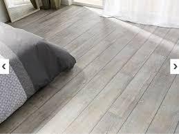 parquet pour chambre à coucher sol vinyle imitation parquet effet joint vieilli ref lame senso