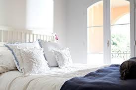 Schlafzimmer Accessoires Die 6 Häufigsten Einrichtungsfehler Im Schlafzimmer Brigitte De