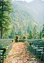 wedding places 25 fall wedding venues best locations for fall weddings