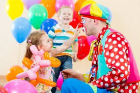 clown entertainer for children s kids party entertainer tips for throwing a kid s party