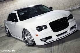 chrysler 300c black white chrysler 300c with black accents cars i u003c3 pinterest
