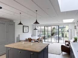 cuisine en bois gris une cuisine en gris et blanc par soniasaelensdeco