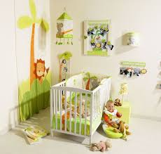 chambre jungle bébé exemple deco chambre bebe garcon jungle