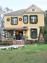 Home Decorators Catalogue Festive Ways To Boost Your Home U0027s Holiday Curb Appeal Hgtv