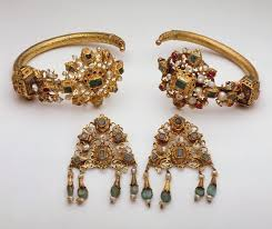 gold ornaments work of heilbrunn timeline of