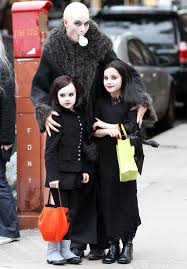 Addams Family Costumes 31 Best Family Halloween Costumes Ideas For 2017
