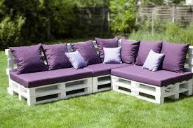 canapé en palette de bois le fauteuil en palette est le favori incontesté pour la saison