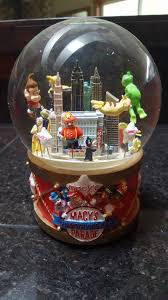 thanksgiving snow globe 2002 macy u0027s thanksgiving day parade musical snowglobe waterglobe