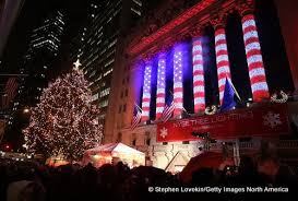 Christmas Window Decorations In Nyc by Christmas In New York City 2017 Dinner Attractions Shows Tree