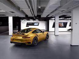 porsche exclusive series bijzonder handwerk 11 feitjes over de porsche 911 turbo s