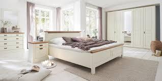 Schlafzimmer Welches Holz Landhausstil Schlafzimmer Nordic Dreams Massivholzmöbel Von Gomab