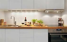 cuisine plan de travail bois cuisine blanche plan de travail bois en photo