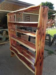 Building Solid Wood Bookshelf by Best 25 Live Edge Wood Ideas On Pinterest Sliding Doors