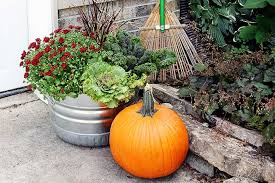 how to make fall outdoor planters house of hawthornes