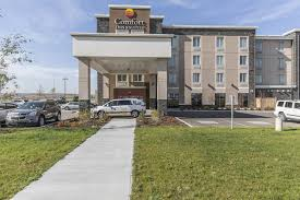 Comfort Inn Suites Airport Comfort Inn U0026 Suites Airport North Calgary Ab 147 Freeport
