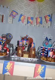 deco de table pour anniversaire un anniversaire de chevalier sweet table idées déco diy kit à