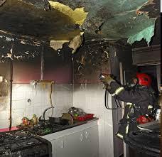 feu de cuisine trappes assoupi dans l appartement en feu il est sauvé par le