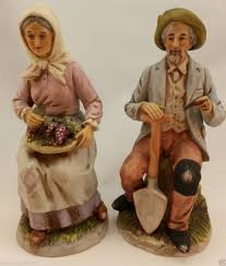 homco figurine 1433 old couple sitting on stump with basket grapes