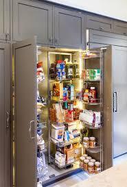 modern kitchen organization 20 despensas super organizadas para você se inspirar kitchens