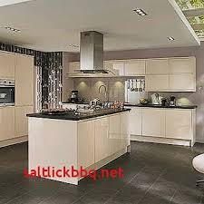 cuisine mur taupe meuble blanc cuisine pour idees de deco de cuisine nouveau cuisine