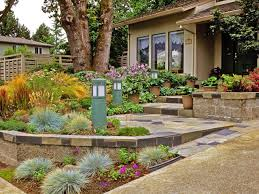 Landscaping Ideas For Front Of House by Front Doors Cool Front Door Garden 98 Front Door Garden Design