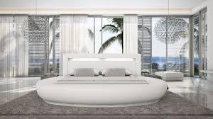 chambre avec lit rond lit rond design avec éclairage varys lit rond lits et chambre