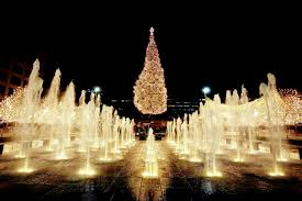 christmas lights in missouri best towns for christmas 6 destinations that go all out orbitz