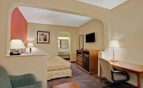 Comfort Inn Mcree St Memphis Tn Days Inn And Suites Memphis
