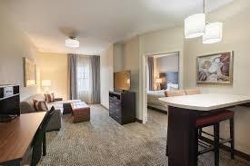 2 bedroom suites in houston 1 bedroom suite 1 king bed or 2 queen beds picture of staybridge