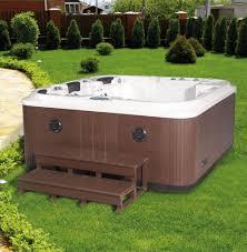 jacuzzi bois exterieur pour terrasse spa et créa concept magasin de carrelage et salle de