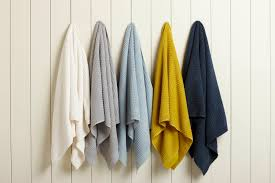 how to hang hand towels in bathroom towel