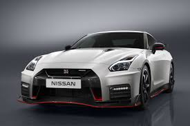 2017 nissan gt r nismo makes official debut