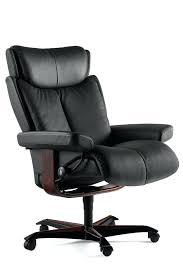 fauteuil de bureau grand confort fauteuil grand confort zoom sur les roulettes du fauteuil de