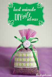 Easy Homemade Christmas Gifts by 10 Easy To Make Last Minute Diy Gift Ideas Great For Christmas
