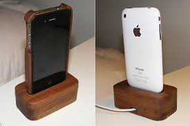 diy charging dock wooden iphone 4 case and charging dock gadgetsin