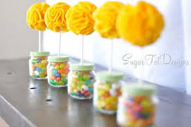 Candy Topiary Centerpieces - 25 creative baby food jar crafts for home decoration hative