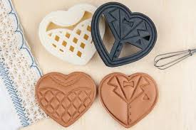 wedding cookie cutters and groom heart wedding cookie cutters name that cookie
