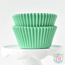 Sweet Treat Cups Wholesale Best 25 Cupcake Liners Ideas On Pinterest Cupcake Decorating