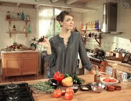 côté cuisine julie andrieu gaspacho et grosses gambas rôties