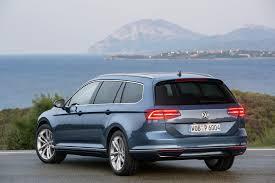 volkswagen passat r line blue vw passat estate 2 0 tdi se business road test report and review