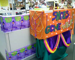 mardi gras parade floats mardi gras parade float clt s the zappos family office photo