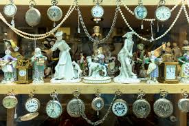 Antiques Stores Near Me by Where To Sell Your Antiques And Collectibles