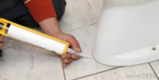 Caulking Bathroom Floor What Are The Advantages Of A Tile Floor With Pictures
