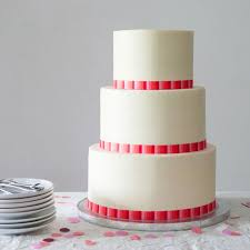 A Wedding Cake Best 25 Stacking A Wedding Cake Ideas On Pinterest Wedding Cake