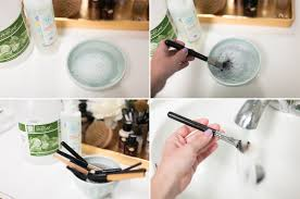 how to remove dirt from makeup brush with vinegar
