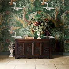 bringing walls to life in elizabethan style how to spend it