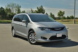 2017 chrysler pacifica review autoguide com news