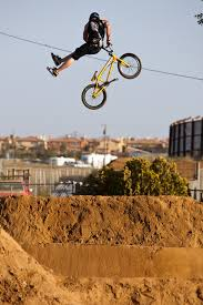 Backyard Bmx Dirt Jumps Bmx Photos Random Dirt Jumping Photo Gallery Ride Bmx Magazine