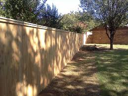 privacy fence the best way to keep your dog in